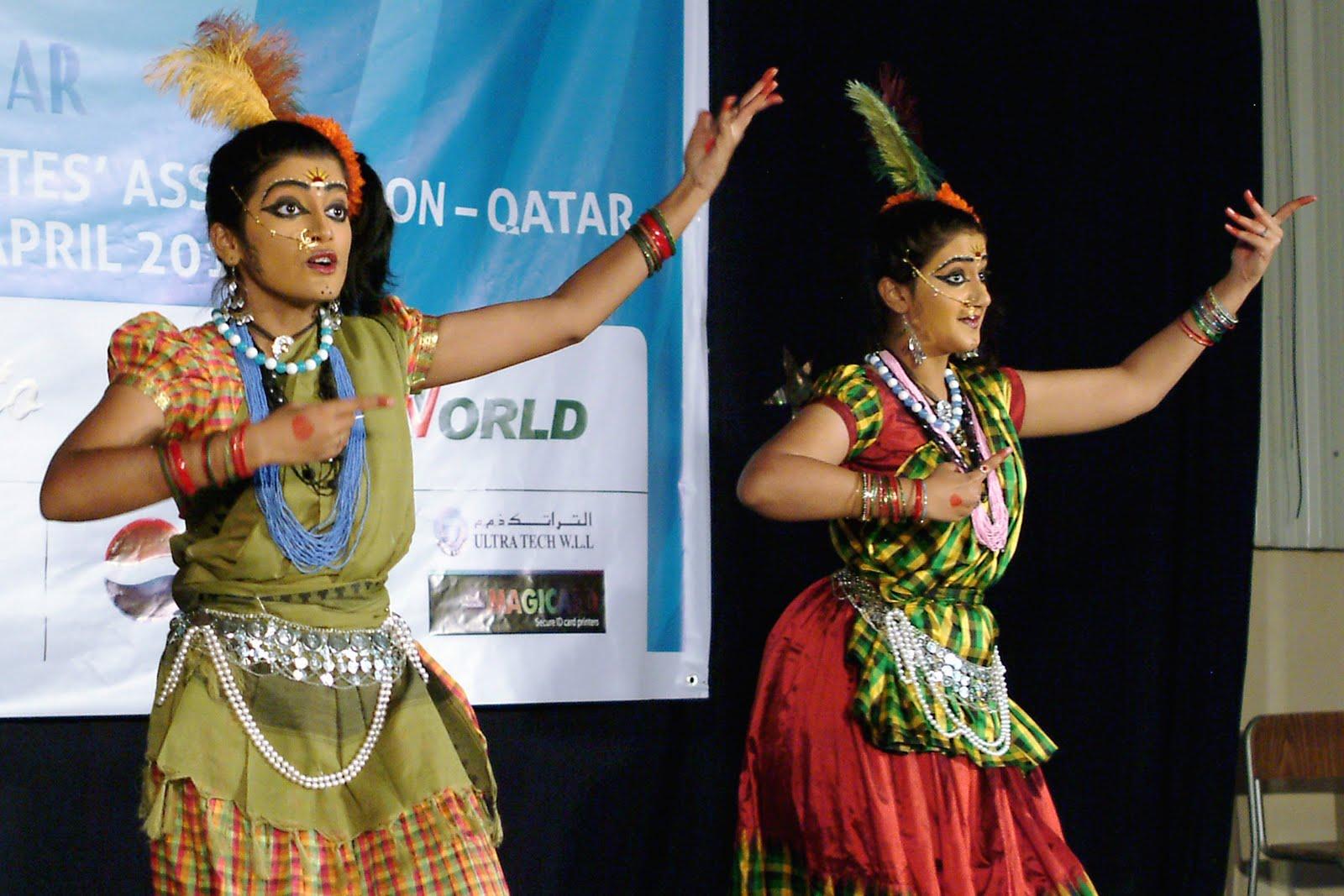 fd8174f612c8 www.varnadancecollections.com, bharatanatyam dance costumes in Usa,  bharatanatyam dance costumes in Uk, bharatanatyam dance costumes in  Australia, ...